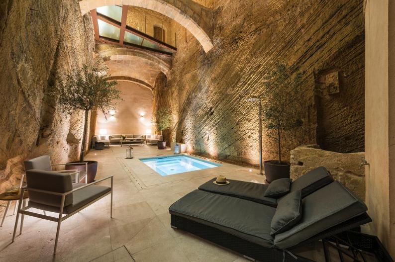 Privatpool auf Mallorca im Hotel Can Mostatxins