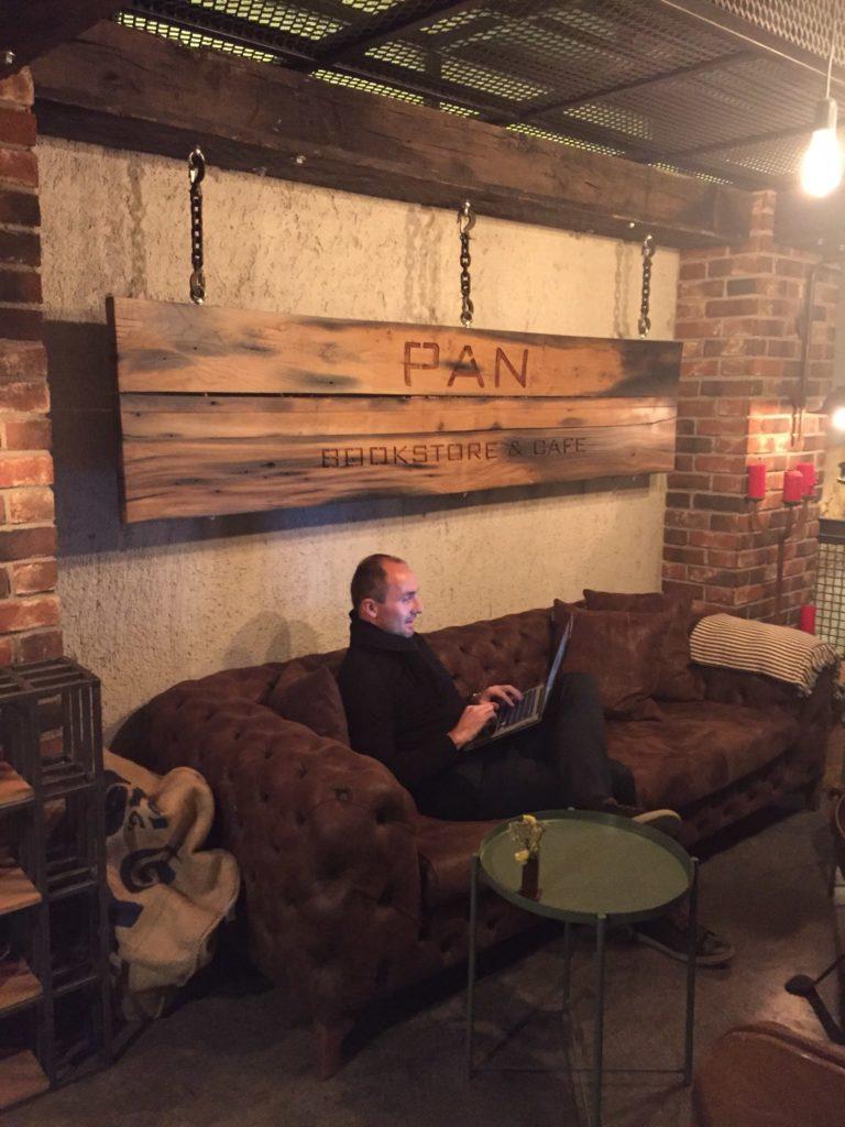 digitaler Nomade Ortsunabhängigkeit Weltenbummler Online Freiheit Freelancer Remote Worker Remote Arbeiten Homeoffice