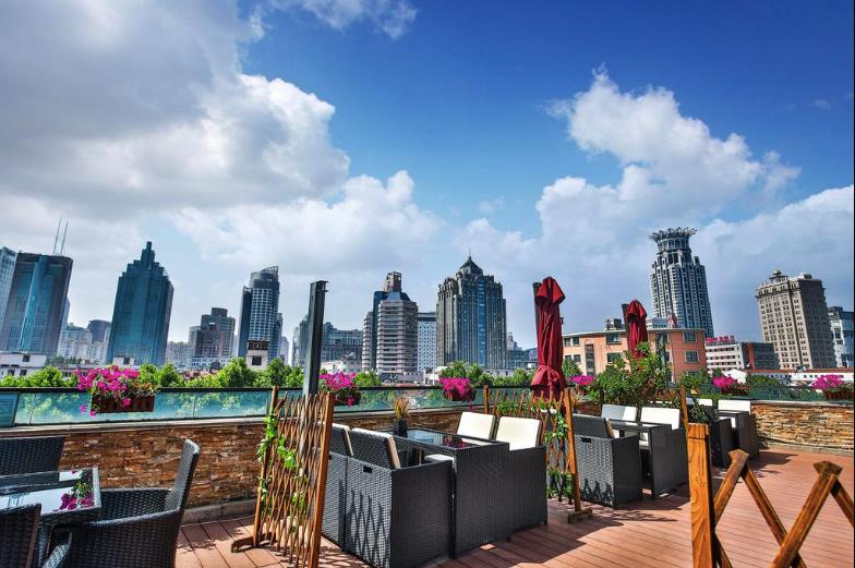 9 Übernachtungsmöglichkeiten in Shanghai für deinen Urlaub 4 Screenshot at Apr 26 15 25 14