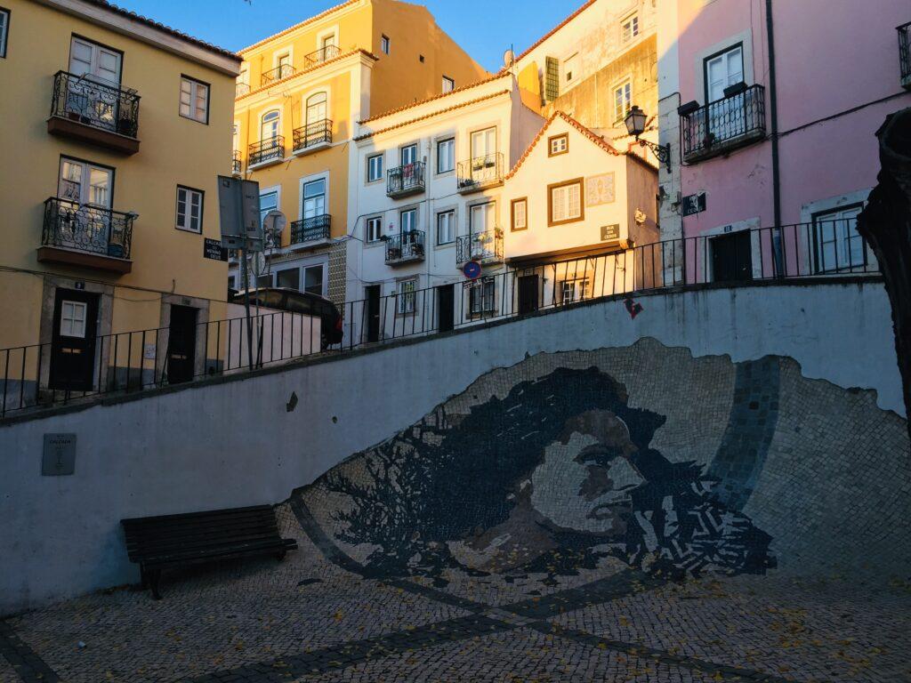 Lissabon in Portugal - Wie es fast keiner kennt 3 Streetart Alfama